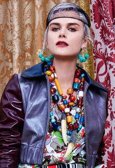 Necklaces Statement Duro Olowu Spring 2019 Ready-to-Wear Collection - The complete Duro Olowu Spring 2019 Ready-to-Wear fashion show now on Vogue Runway. Colorful Fashion, Boho Fashion, Fashion Show, Fashion Jewelry, Fashion Beads, Fashion Earrings, Luxury Jewelry, Boho Jewelry, Jewelry Art