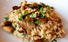One dish that for some reason has always intimidated me, for what I know is silly, is risotto. Well, I am officially not intimidated anymore. Last Friday I Wild Mushrooms, Stuffed Mushrooms, Mushroom Risotto, Chicken Marsala, Italian Recipes, Italian Foods, Food And Drink, Cooking Recipes, Dishes