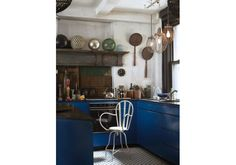 One of a Kind Design: 13 Kitchens with Totally Unique Style. Deep blue cabinets are an unusual choice for a rustic kitchen from My Scandinavian Home. The mixer lights! Blue Cabinets, Shaker Cabinets, Kitchen Cabinets, Kitchen Units, Kitchen Ideas, Sweet Home, Cuisines Design, Scandinavian Home, Beautiful Kitchens