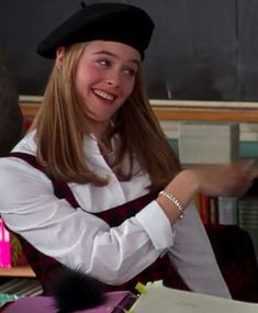 """Retro Fashion 116 """"Clueless"""" Outfits Ranked From Worst To Best - I still want to wear kilts and knee-highs. Is that really so bad? Cher Clueless, Clueless Fashion, Clueless Outfits, Fashion Tv, Look Fashion, Retro Fashion, Cher Horowitz, Alicia Silverstone, Clueless Aesthetic"""