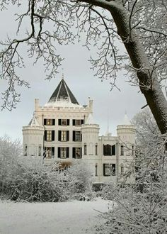 Castle Sandenburg in Winter ( Netherlands)