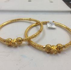 Bracelets - Or diamant et Perle Gold Armband, Gold Bangles Design, Bridal Necklace, Gold Jewelry, Jewelry Bracelets, Antique Plates, Baby Bracelet, Diwali, Bracelets