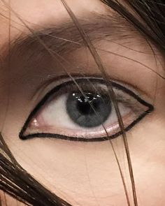 #aboutlastnight Close up of Jean Cocteau's eye lines look for #centralsaintmartins #jeancocteau #blackliner #outline #pablosmakeup @pablo_rodriguez_makeup @clmhairandmakeup @clmagency Thank you #maccosmetics and the #macpro team. #fashion #design #makeup #beauty #artistry #precision #blacktrack #londonfashionweek #lfw #AW16