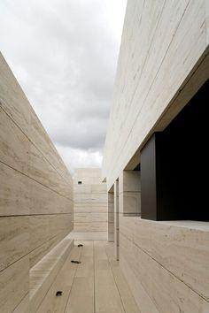 Gallery of 108 Residence / A-cero - 7 Stone Cladding Exterior, Stone Facade, Wall Exterior, Minimal Architecture, Facade Architecture, Architecture Today, Minimal Art, Corridor Design, Modern Courtyard