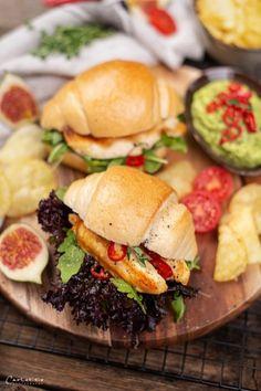 Spicy Hühner Sandwiches, Sandwich Rezepte, Sandwich selber machen, Sandwich  Rezeptideen, Sandwiches mit Avocado, spicy Sandwiches Rezepte, herzhafte  Snackideen, einfache Sandwichrezepte, Sandwichideen für Party, kreative  Sandwichrezepte, kreative Snackideen, Sandwich mit Huhn, Hühnerfilets Rezepte,  Panini Sandwiches, Rezepte mit Panini, sandwich ideas, sandwich recipes,  creative sandwichest to go, chicken sandwiches, sandwiches with avocado souce Food Blogs, Chili Dip, International Recipes, Creative Food, Avocado, Hamburger, Dips, Spicy, Chicken