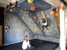 Kids Room: Kids Climbing Wall With Mount Wallpaper - 20 Fun Climbing Wall Ideas For Your Kids Safety Indoor Climbing Wall, Kids Climbing, Climbing Holds, Rock Climbing Walls, Bouldering Wall, Indoor Gym, Indoor Playground, At Home Gym, Diy For Kids