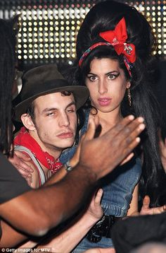 amy winehouse mtv europe 2007 - Buscar con Google