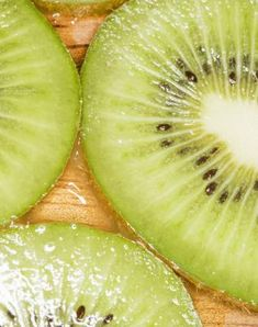 Trellising Hardy Kiwi Vine