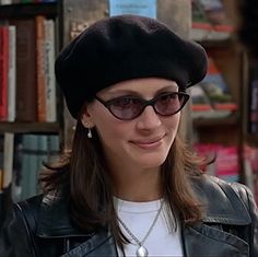 Iconic Movie Characters, Iconic Movies, Julia Roberts Notting Hill, Julia Roberts Hair, Richard Gere, Girl Swag, Celebrity Look, Queen, Vintage Beauty