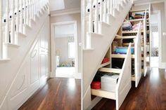 Existen muchas cosas que le restan estética a nuestro hogar, como cables o cosas acumuladas sin razón, hoy te daremos 13 increíbles ideas para esconderlas y además darle un toque creativo y hermoso a tu casa. 1. No acumules cosas en la casa, si tienes escaleras puedes mandar a hacer un genial armario en ellas. […]