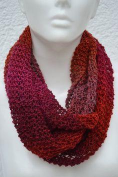 gestrickt - Loop Schlauchschal Schal rot pink orange meliert - ein Designerstück von Masche21 bei DaWanda