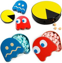 Ahhh.. i want it! Where's i can get this pacman candies set #geek #gift