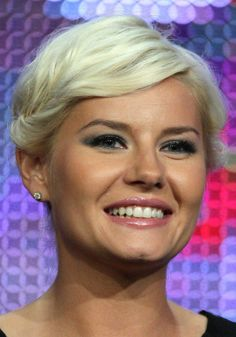 The Best Celebrity Pixie Haircuts: Elisha Cuthbert Pixie Haircuts