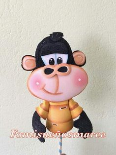 Fofulapiz pelanas gorila Foam Crafts, Diy And Crafts, Pencil Toppers, Cute Cartoon Wallpapers, Nature Crafts, Cold Porcelain, Minnie Mouse, Projects To Try, Clay