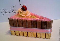 Купить или заказать Кусочек тортика из конфет Merci в интернет-магазине на Ярмарке Мастеров. Кусочек тортика из шоколадок Merci (24 штуки). Универсалый подарок для коллег, друзей, учителей, воспитателей, врача. Может быть дополнением к основному подарку. Подойдет для женщины и для мужчины. Возможно выполнить из других конфет, в другом цвете и декоре. Варианты для подарка мужчине. Тортик получаете в подарочной упаковке. Цена 1 кусочка 700 руб., при заказе от 3-х штук 650 руб. Chocolate Crafts, Chocolate Decorations, Edible Bouquets, Food Art For Kids, Candy Display, Edible Crafts, Candy Cakes, Chocolate Bouquet, Candy Bouquet