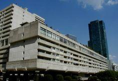 Résidence Vision 80, built 1973 on la Défense's boardwalk in Paris.