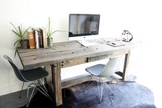 Desk Layout ideas: Paper storage using cube, square wooded boards and foam core for the Office Studio great website for affordab. Reclaimed Wood Desk, Rustic Desk, Rustic Office, Wooden Desk, Unfinished Wood, Wooden Furniture, Desk Layout, Contemporary Desk, Rustic Interiors