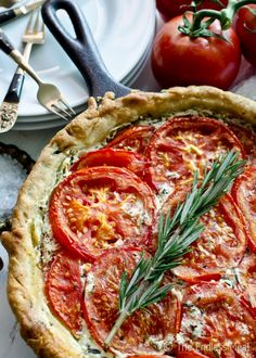This Goat Cheese and Tomato Tart with Rosemary and Mascarpone is an easy to make recipe that should be on everyone's summer menu. Looks like a quiche and very delicious. Vegetarian Recipes, Cooking Recipes, Healthy Recipes, Vitamix Recipes, Tart Recipes, Delicious Recipes, Cheese Tarts, Goat Cheese, Gruyere Cheese
