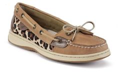 http://zoecube.blogspot.com - $75 Sperry Boat shoes