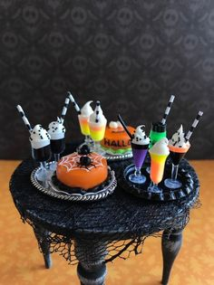 Items similar to Miniature cocktails, Halloween miniature drinks, dollhouse tray on Etsy Halloween Shadow Box, Halloween Clay, Holidays Halloween, Halloween Crafts, Halloween Decorations, Haunted Dollhouse, Haunted Dolls, Dollhouse Miniatures, Miniature Crafts