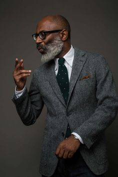 Grey Herringbone Harris Tweed Jacket available at Clifford Street or our Online Shop. Rugged Style, Gentleman Mode, Gentleman Style, Old School Style, Look Fashion, Mens Fashion, Fashion Guide, Winter Fashion, Harris Tweed Jacket