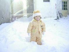 Invierno de 2007 - Mariana Continente en el patio de la casa.