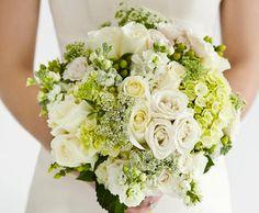 Biela svadobná kytica z bielych ruží