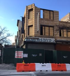 Bloomsday sign uncovered, 81st and Broadway