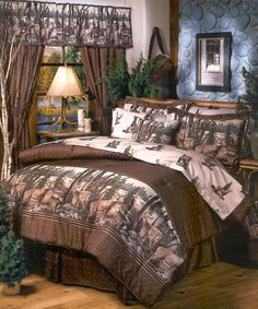 Save - on all Rustic bedding and comforter sets at Black Forest Decor. Your source for discount pricing on lodge bedding and bear bedding accessories. Full Comforter Sets, Bedding Sets, King Comforter, Bed Sets, Log Cabin Furniture, Rustic Furniture, Bedroom Furniture, Outdoor Furniture, Log Home Decorating