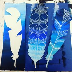 art teacher: Natalie Waggenspack for batikzen tangle feathers-- whole school!Value scale feathers Kratz Kunst, Collaborative Art Projects, Group Projects, Middle School Art Projects, Josi, 8th Grade Art, Value In Art, Creation Art, Ecole Art