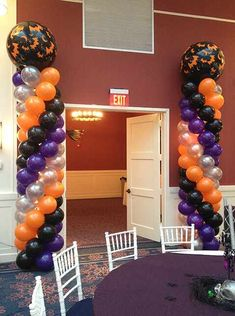 Balloon Arches & Columns - Halloween Themed Balloon Columns - event decor idea - Balloon arches bring color to any room, transforming a normally simple room into a vibrant masterpiece. They can frame your head table or go over a doorway. Halloween Dance, Halloween Balloons, Halloween Masquerade, Halloween Birthday, Halloween Party Decor, Halloween Themes, Birthday Parties, Balloon Tower, Balloon Columns
