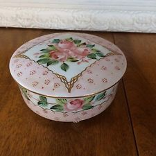 Limoges ANTIQUE HAND PAINTED PORCELAIN Footed Dresser Powder Candy Large Box