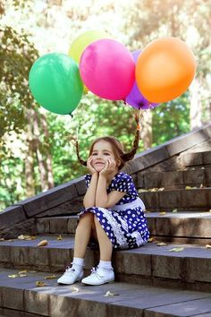 an idea for a photo shoot with balloons
