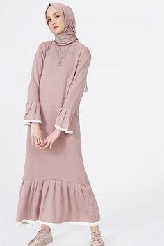 Benin Purple Sweater Dress - Looks are Everything Abaya Fashion, Muslim Fashion, Modest Fashion, Fashion Outfits, Muslim Dress, Hijab Dress, Hijab Outfit, Modest Dresses, Casual Dresses