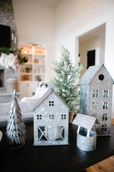 Christmas Home Tour — Cristin Cooper Cheap Rustic Decor, Shabby Chic Decor, Cheap Home Decor, Living Room Candles, Blogger Home, Christmas Home, Christmas Ideas, Interior House Colors, Nordic Interior