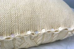 Cable Knit Pillow Sham in Wool Sweater Pillow por PreciousKnits
