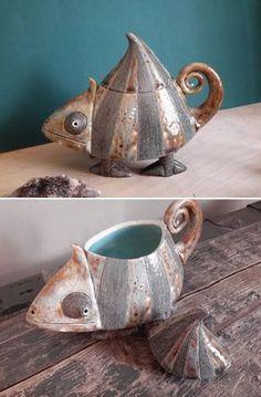 """Best Snap Shots Ceramics design teapot Tips Ceramic Box """"Chameleon"""" Ceramic Boxes, Ceramic Teapots, Ceramic Clay, Ceramic Pottery, Pottery Art, Slab Pottery, Pottery Studio, Pottery Animals, Ceramic Animals"""