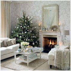 Natural Christmas trees give a special winter fragrance to the room. When decorated with luxurious elements, the natural tree will look fabulous in any living room decor.