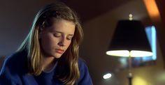 Mischa Barton - Lost and Delirious (2001) (1199×624)