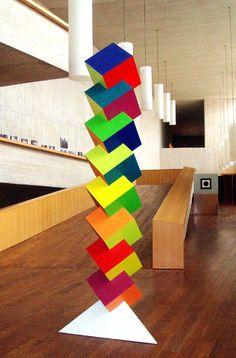 """Francisco Sobrino """"Cubos de color, madera ensamblada y pintada"""", 1992"""