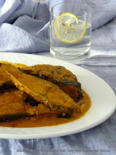 Maccher Korma (Bengali style Fish Curry with Yoghurt and Spices) @thespiceadventuress.com