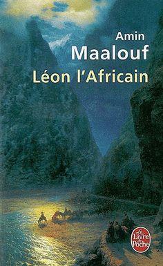 Cette autobiographie imaginaire part d'une histoire vraie.En 1518, un ambassadeur maghrébin, de retour d'un pèlerinage à La Mecque, est capturé par des pirates siciliens, et offert en cadeau à Léon X. Ce voyageur s'appelait Hassan al-Wazzan. Il devint le géographe Jean-Léon de Médicis, dit Léon l'Africain. Sa vie, que ponctuent les grands événements de son temps, est fascinante : il se trouvait à Grenade pendant la Reconquista, d'où il a dû fuir l'Inquisition, en Egypte lors de sa conquête…