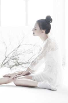 High Key  Photography | Jimmy Khoo @ ZINQ Studio  Styling | VOONWEI @ The Style Animal  Black & White - NEWTIDE Magazine Aug 2012 by Voon wei, via Behance
