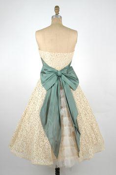 Vintage Short Lace Wedding Dress / 1950s Cream by DalenaVintage, $425.00