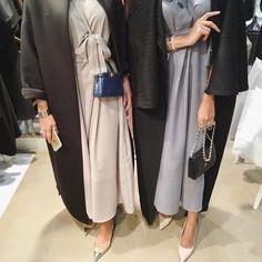 IG: ManaalAlHammadi || IG: Beautiifulinblack || Modern Abaya Fashion ||