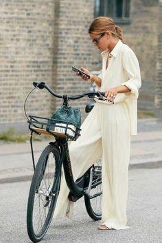 Street Style Trends, Looks Street Style, Looks Style, Looks Cool, Street Style Women, Chic Street Styles, Fall Style Trends, Street Style Fashion, Korean Fashion Summer Street Styles