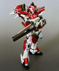 Red Frame Astray + Freedom Gundam + Other Kitbash - Custom Build Modeled by Gundam Wing, Gundam Art, Japanese Robot, Gundam Wallpapers, Gundam Mobile Suit, Gundam Custom Build, Frame Arms, Gunpla Custom, Mecha Anime