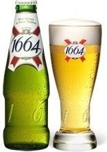 Cerveja Kronenbourg 1664, estilo Standard American Lager, produzida por Brasseries Kronenbourg, França. 5% ABV de álcool.