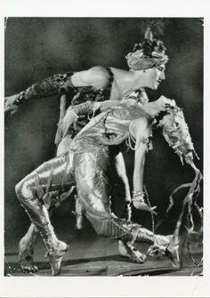 Dancer Ballerina ANNA PAVLOVA POSTCARD Hubert Stowitts La Peri James Abbe Photo