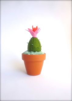 Mini Felt Cactus Plant Home Decoration par KatyPillingerDesigns